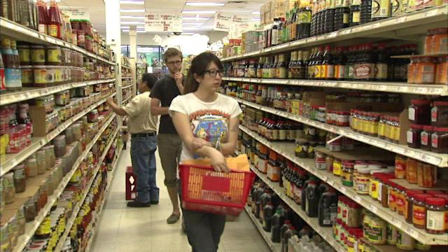 DePaul students study ethnic grocery store impact