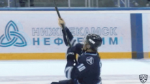 KHL player scores, busts out Selanne shooting glove celebration (Video)