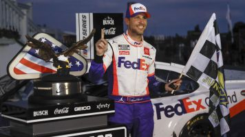 Role reversal: Hamlin beats out Harvick
