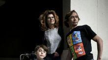 Accès handicapé: le combat kafkaïen de parents pour leur fils myopathe