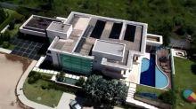 Cartório esconde dados de Flávio Bolsonaro em escritura pública da mansão de R$ 6 milhões