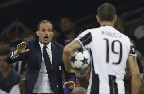 Croata diz que briga fez Juventus 'liberar' Bonucci e Dani Alves