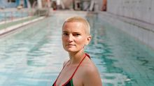 12 Candid Photos Of Russian Women At The Pool
