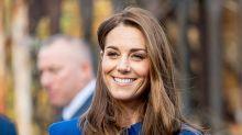 Kate Middleton recicla vestido azul y acierta (otra vez)