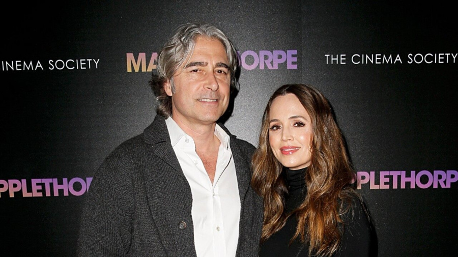 Eliza Dushku Is Pregnant With First Child With Husband Peter Palandjian
