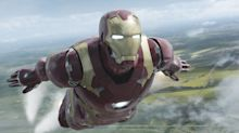 """Mit """"Iron Man""""-Maske zur Notenvergabe: Ein Dozent geht viral"""