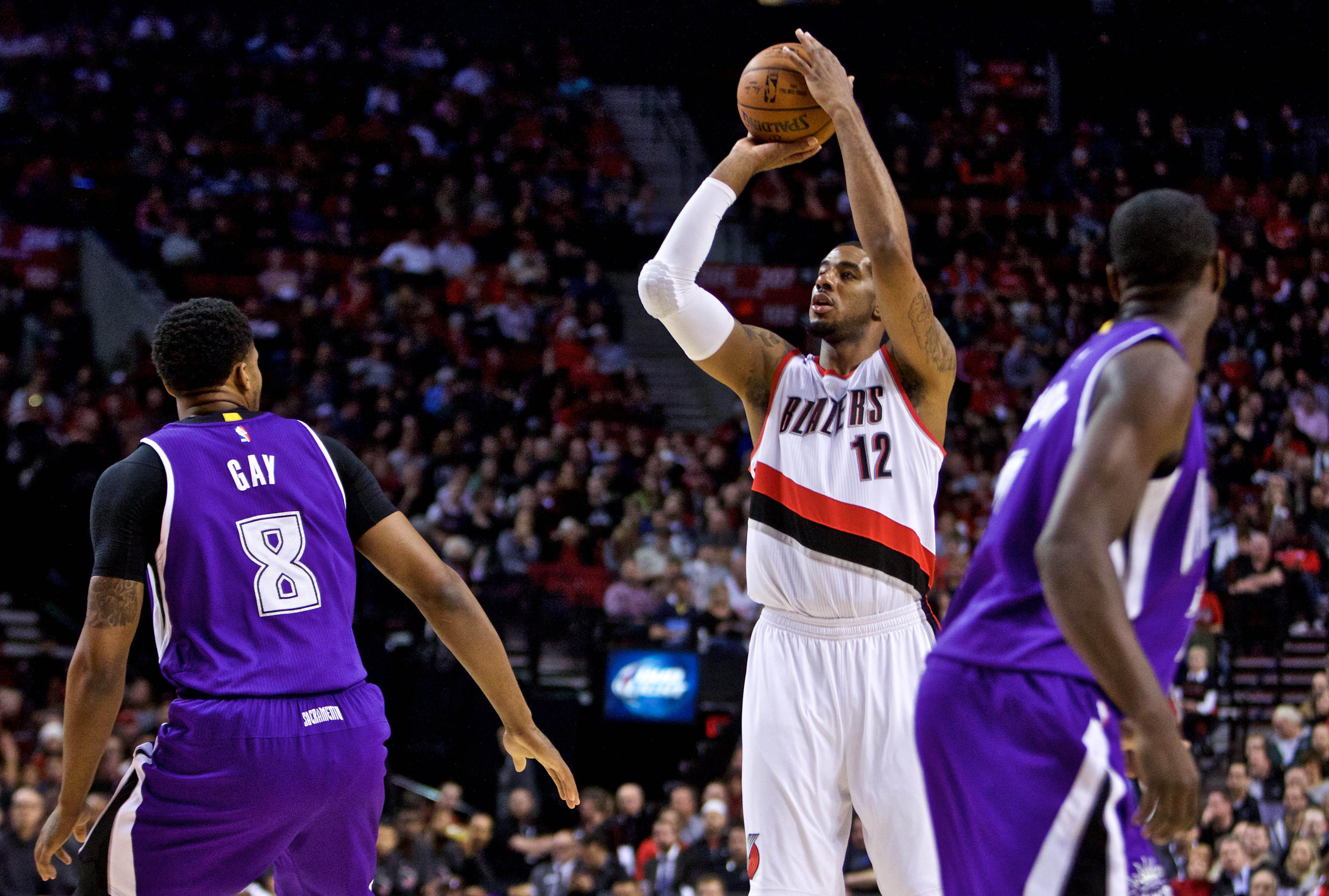 LaMarcus Aldridge needs thumb surgery, and the Blazers ...