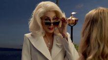Cher quiere ser voluntaria en una oficina de correos (pero no la aceptan)