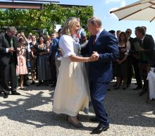 Putin attends Austrian foreign minster's wedding