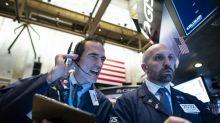 Wall Street ouvre en hausse, attendant les résultats et un accord commercial