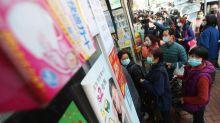 Hindari Corona, Keluarga Miskin di Hong Kong Berjuang Beli Masker