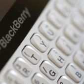 BlackBerry avoids smartphone risk with outsource move - CEO