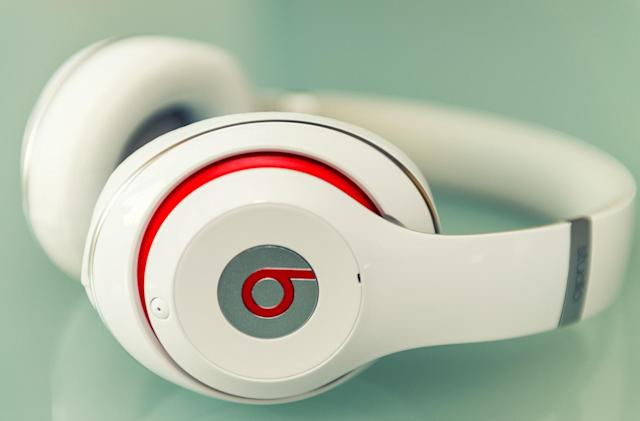 Apple blames third-party batteries for exploding Beats headphones