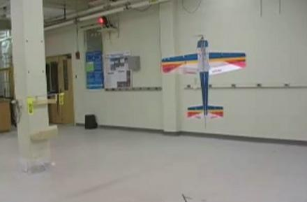 """Researchers create """"perching"""" robotic aircraft"""