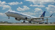 United Airlines slides in on-time performance star ratings report