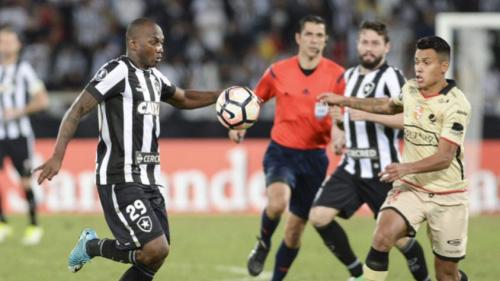 João Paulo admite que desfalque de Bruno Silva pesou: 'Faz grande ano'
