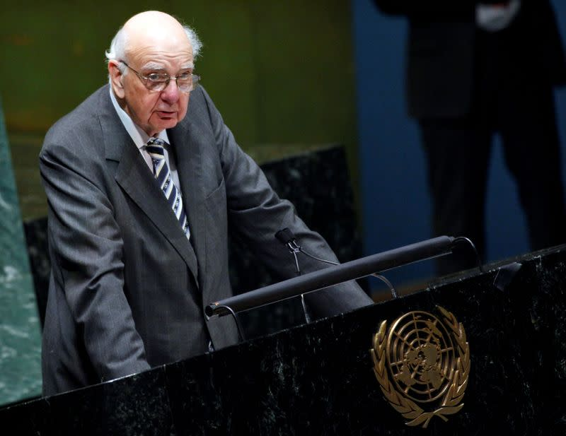 Charismatic central banker and author of the 'Volcker rule' dies