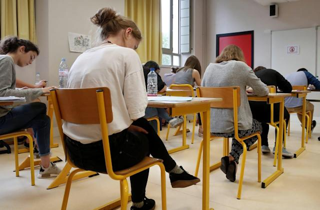 Algeria shuts down internet during exams to curb cheating