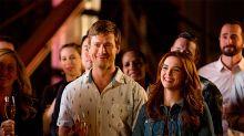 ¡Larga vida a la comedia romántica! El público enloquece con una nueva película de Netflix
