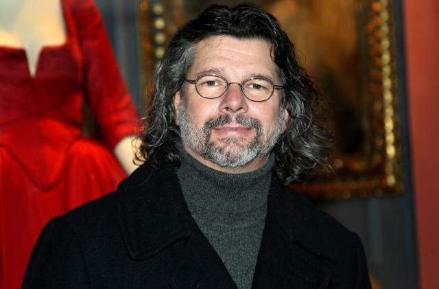 Apple signs 'Battlestar Galactica' developer for new space drama