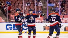 Wennberg's hat trick leads Panthers over Lightning 5-1