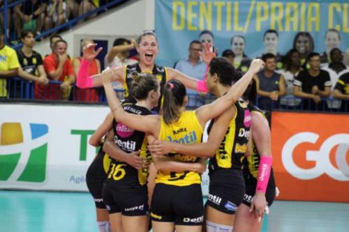 Dentil/ Praia Clube é o quarto semifinalista da Superliga feminina