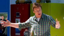 Corona-Quarantäne: Starkoch Jamie Oliver will mit Kochsendung helfen