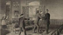 Cuando Charles J. Guiteau atentó contra el presidente James A. Garfield porque le negó un cargo político