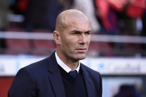 Jornal: Dono do PSG quer Zidane para conquistar a Liga dos Campeões