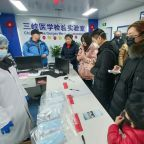 SARS lessons hang over China's fight against new virus