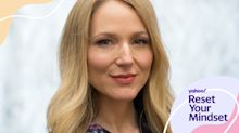 Jewel says she's mindful about how she talks to her son about the pandemic: 'He knows it's our duty to stay home'