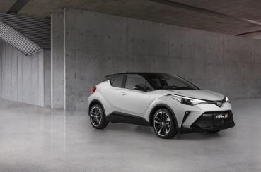 一樣很低調的運動裝扮,Toyota C-HR GR Sport 歐規版本亮相!