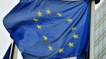 Mélenchon sur le drapeau européen : une polémique infantile