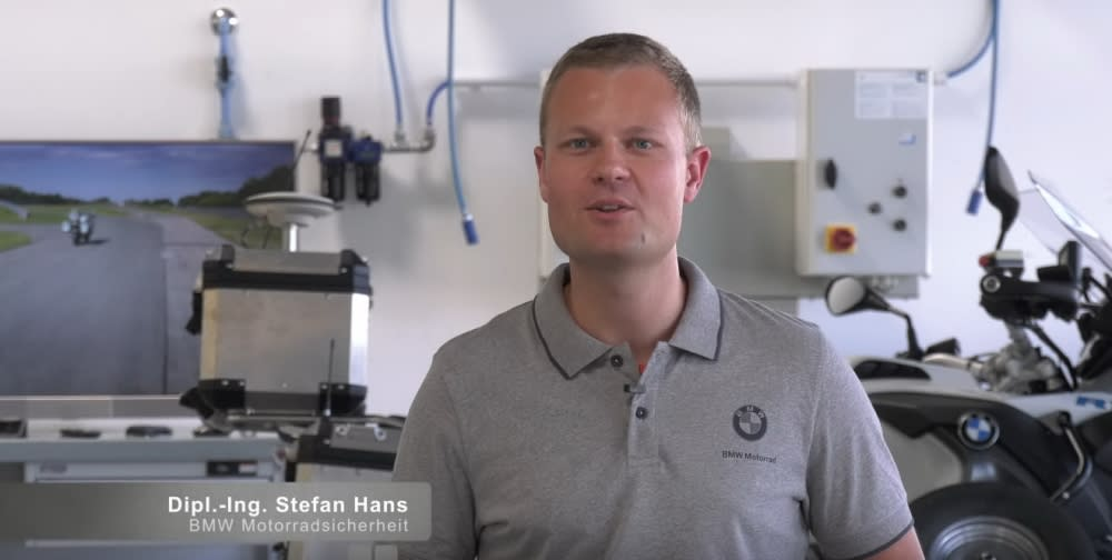 雖然無人機車看起來很酷,不過BMW工程師Stefan Hans解釋這項計劃目標並非打造無人重機賣(圖片來源:BMW Motorrad)