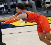 Jokic scores 27 in 3 quarters, Nuggets rout Thunder 119-101
