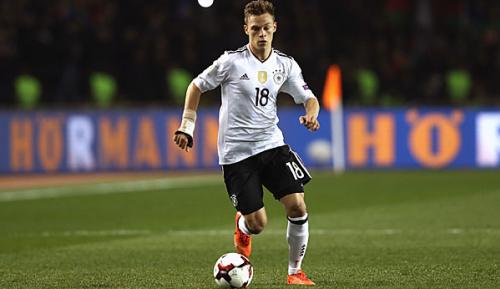 Bundesliga: Löw hofft auf Kimmich-Einsatz als Rechtsverteidiger in München