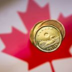 Canadian dollar dips as investors weigh global trade uncertainty