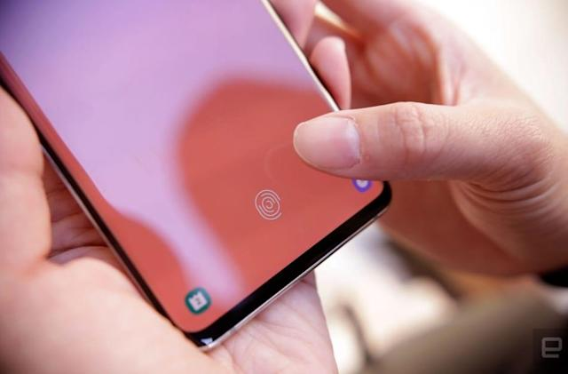 Samsung says fix for Galaxy 10 fingerprint flaw is coming 'next week'