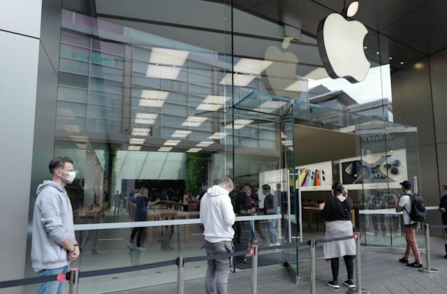 Apple will reopen stores in four US states next week
