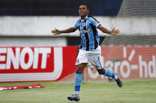 Pedro Rocha retorna ao Grêmio na partida contra a Ponte Preta