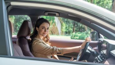瑞莎代言 Toyota Corolla Cross,粉絲團留言抽 iPhone 12