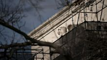 Congressional Watchdog Asks If Fed Should Stop Bond Buying