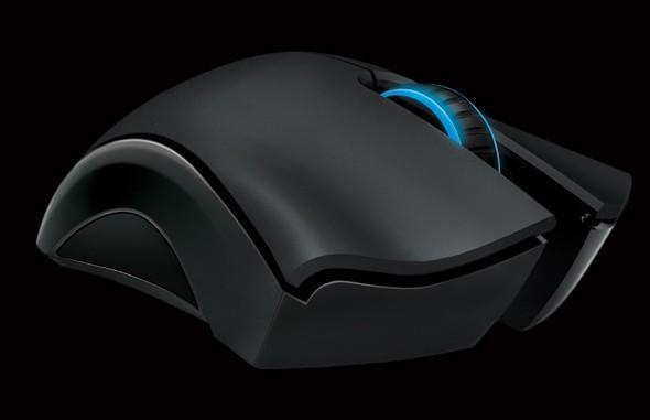Razer offers up Mamba wireless gaming mouse, Carcharias headset