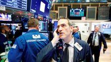 Wall Street cierra en rojo y Dow baja un 4,4%, preocupado por crisis de COVID-19