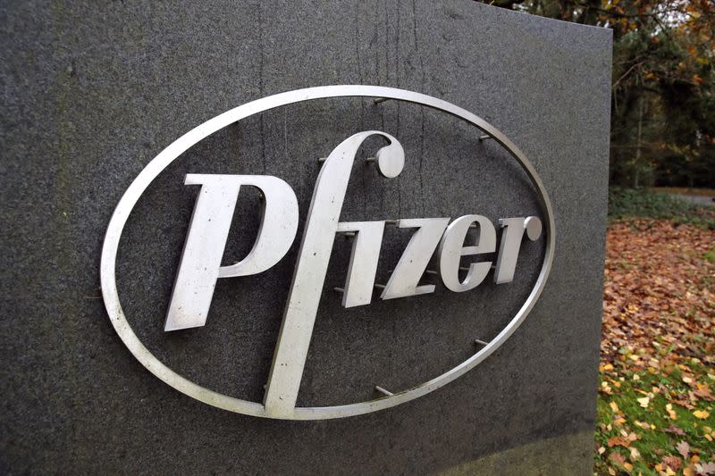 Pfizer shares drop as Moderna vaccine seen easier to distribute