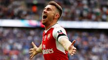 Arsenal lifts third FA Cup in four years with 2-1 win over 10-man Chelsea
