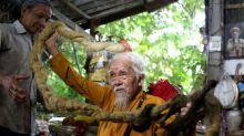 Hombre vietnamita con cabello de 5 metros dice que el crecimiento es un llamado divino