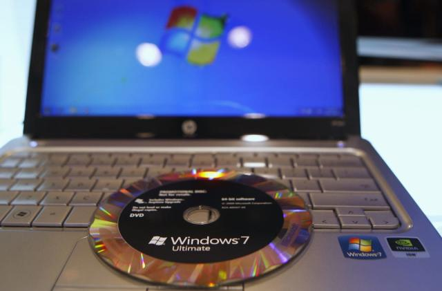 Microsoft lets companies pay for Windows 7 support until 2023