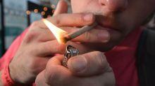 Alcool, tabac, cannabis : quand (et comment) en parler à ses enfants ?