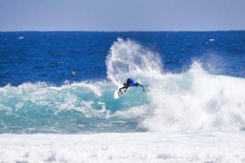 Samuel Pupo conquista triagem estreia na elite do surfe mundial
